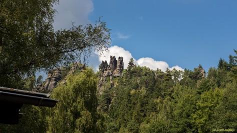 Kurort Jonsdorf | Blick zu den Nonnenfelsen