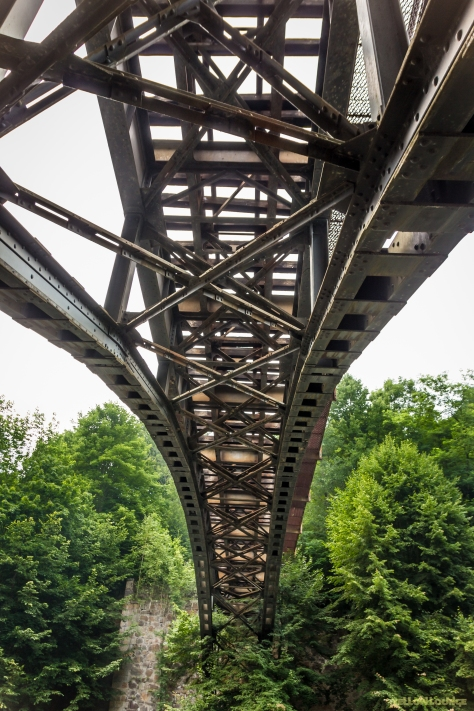 Brücke überm Radweg im Neißetal
