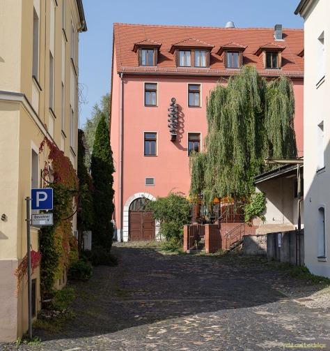 """Blick in die LindenStraße : Rückseite ehemalige """"Konditorei und Café Schiffner"""""""