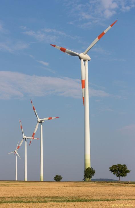 Sauberer Wind zu sauberem Strom : Windkraftanlage Eckartsberg