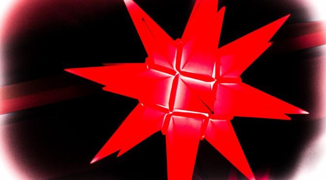 Der rote Stern leuchtet