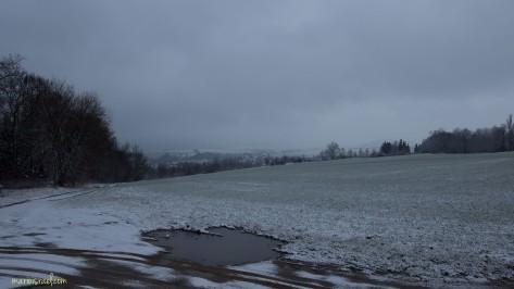 Trübes Wetter am Watzdorfheim : Blick nach Hörnitz